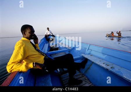 Le Sénégal, Sine Saloum province, bateau sur le Bolong river Banque D'Images
