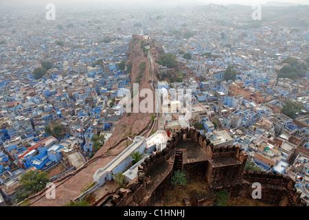 Jodhpur, également connu sous le nom de la ville bleue, vu de Fort Mehrangarh, Rajasthan, Inde