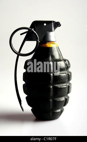 Un fregmentation grenade dans des conditions d'éclairage latéral pour souligner sa forme et des contours. Banque D'Images