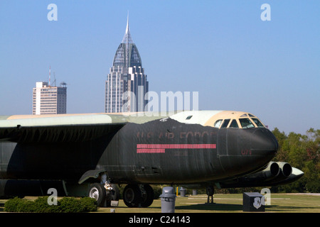 'Calamity Jane' B-52D bomber situé à Battleship Memorial Park, Mobile, Alabama, États-Unis.
