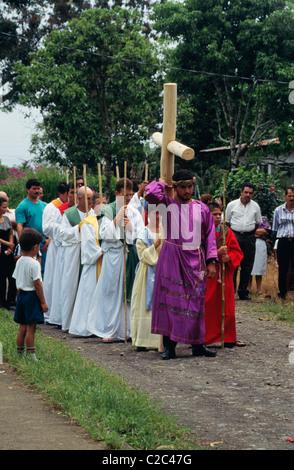 Durant Pâques connu qui est connu comme la Semaine sainte ou la Semaine Sainte, il y a de nombreuses parades partout Banque D'Images
