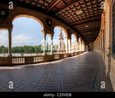 ES - Andalousie: Seville's célèbre Plaza de Espana Banque D'Images