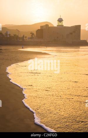 Coucher du soleil sur la plage de Las Canteras à Gran Canaria Banque D'Images