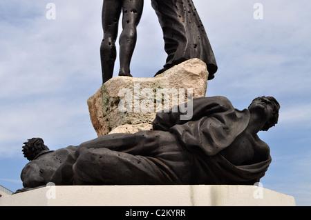 La Place des Martyrs, à Beyrouth, la statue des Martyrs, vandalisé criblé de trous de balle Banque D'Images