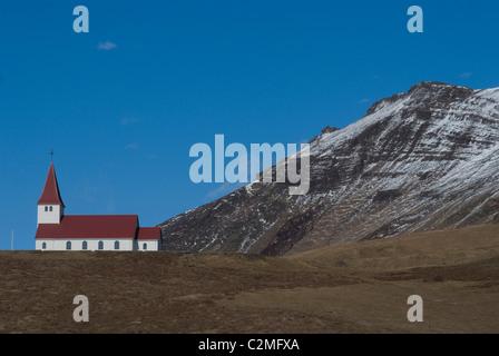 L'église le coteau, Vik, le sud de l'Islande Banque D'Images
