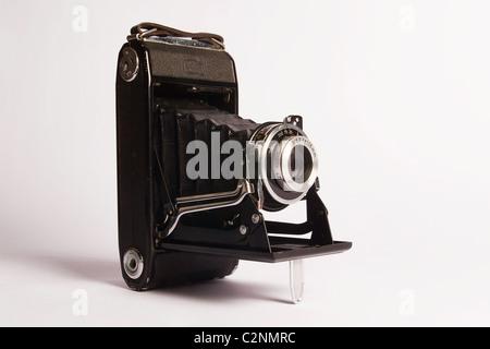 Style ancien appareil photo, appareil photo photographie ancienne isolé sur fond blanc, vintage, appareil photo Banque D'Images