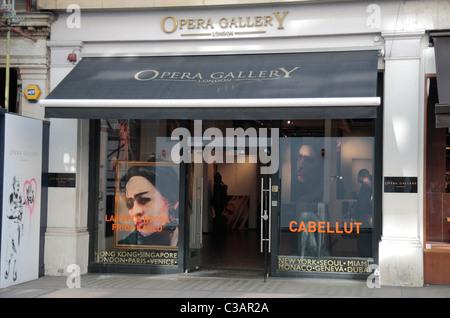 L'Opera Gallery de Londres, un contemporain et moderne peinture & sculpture murale sur New Bond Street, London, Banque D'Images