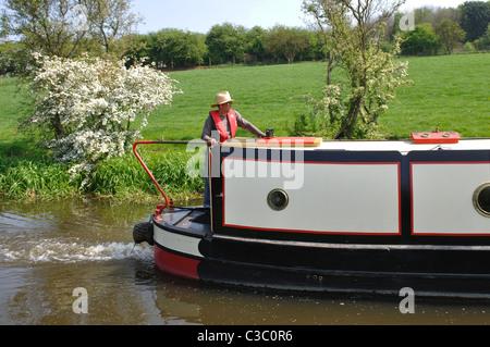 15-04 sur Oxford Canal à Aynho, Northamptonshire, England, UK Banque D'Images