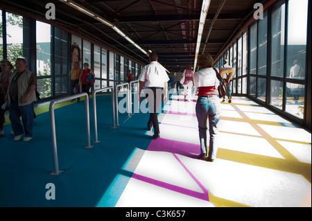 Paris, France, les visiteurs du salon industriel, 'foire de paris' marche dans le couloir