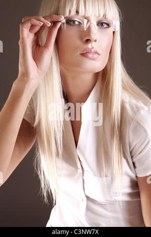 Portrait of happy female scientist ou médecin dans les lunettes Banque D'Images