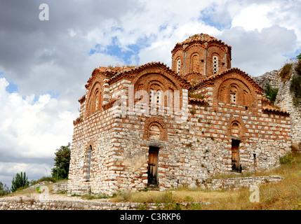 Style Byzantin orthodoxe Holy Trinity Church sur la colline du château au-dessus de la ville de Berat, Albanie
