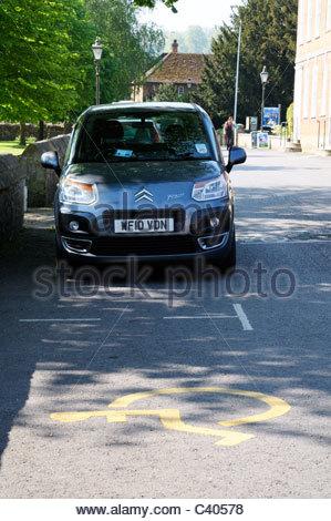 Des places handicapés, Salisbury, Wiltshire, Angleterre Banque D'Images