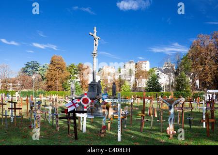 France, Europe, Lourdes, Pyrénées, lieu de pèlerinage, l'espoir, de miracle, croix, religion