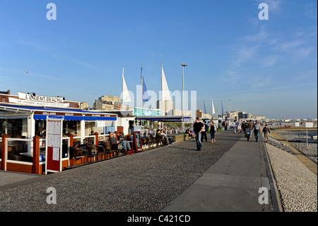 Le Havre restaurant en front de mer,l'Orient Beach, Seine-Maritime, Normandie, France