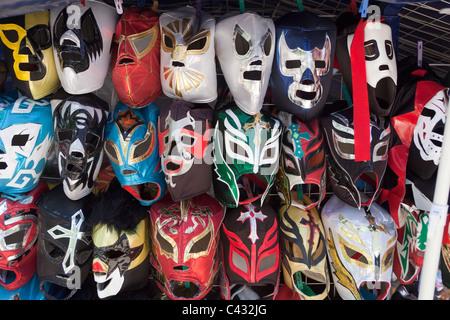 Les masques de catch en vente dans le parc de Chapultepec Mexico City Banque D'Images