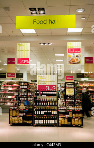 Marks and Spencer Food Hall dans le magasin Truro M&S, Truro Cornwall, Royaume-Uni
