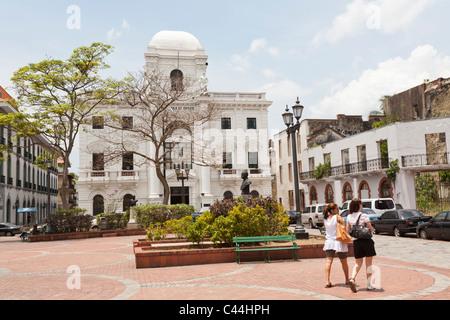 Palacio Municipal et Plaza Catedral, Casco Viejo, Panama City Banque D'Images