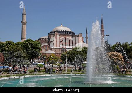 La basilique Sainte-Sophie ou la mosquée Sainte-Sophie à Istanbul, Turquie Banque D'Images