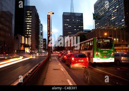 La célèbre avenue Paulista au coeur de Sao Paulo. Brésil