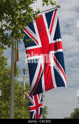 L'Union, se battant le long du Mall, Londres, Royaume-Uni à l'époque de la Mariage Royal de William et Kate: Banque D'Images