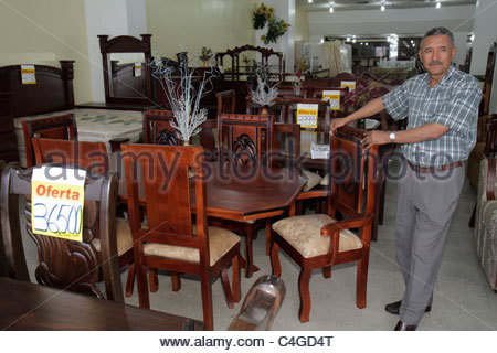 Santo Domingo République dominicaine Ciudad Colonia Mercado marché affaires Modela magasin de meubles de salle à Banque D'Images