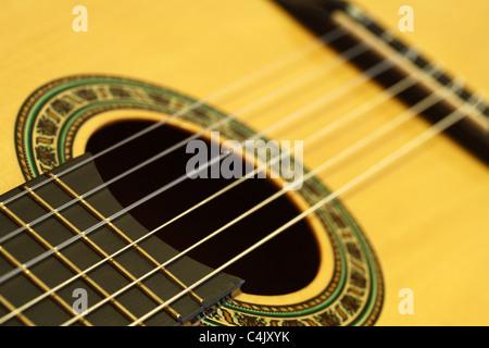 Gros plan d'une guitare classique Banque D'Images
