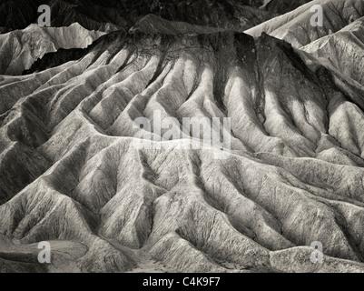 Falaises érodées de Zabriskie Point. Death Valley National Park, Californie Banque D'Images