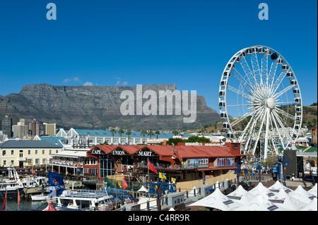 La montagne de la table et de la roue d'excellence voir du V&A Waterfront à Cape Town Afrique du Sud Banque D'Images