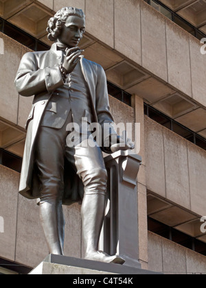Statue de Joseph Priestley dans Chamberlain Square Birmingham England UK PAR UN W Williamson 1874 refonte en bronze Banque D'Images