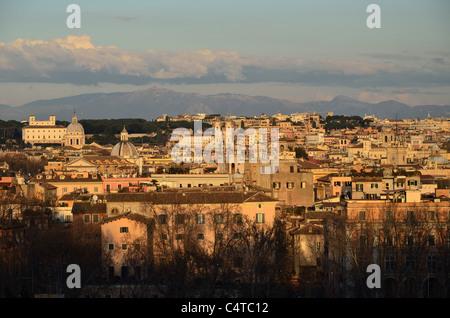 Vue depuis le phare de Manfredi, colline du Janicule, Rome, Latium, Italie