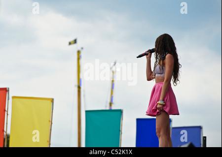Eliza Doolittle se produiront au Festival de musique Hop Farm, Hop Farm, Kent le dimanche 3 juillet 2011 . Banque D'Images