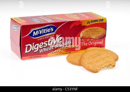 Une boîte de biscuits McVitie's blé digestif avec quelques biscuits à l'extérieur du fort l'un avec morsure hors Banque D'Images
