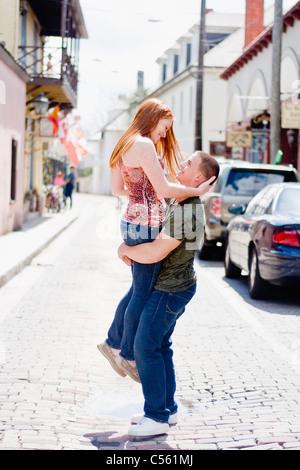 Jeune couple romantique Banque D'Images