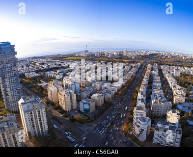 Tel Aviv skyline at sunset / Vue aérienne de Tel Aviv Banque D'Images