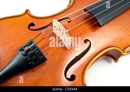 En bois italien détails corde de violon sur fond blanc Banque D'Images