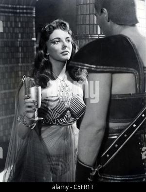 JOAN COLLINS UK film actrice de film Warner Bros 1955 Terre des Pharaons Banque D'Images