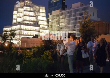 L'IAC/InterActiveCorp, siège de l'extrême gauche, sur la rue de l'Ouest dans le quartier de Chelsea, NY vu depuis Banque D'Images