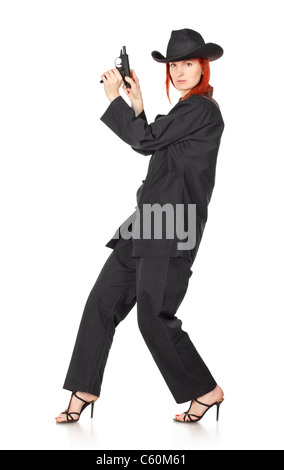 Femme en kimono noir avec fusil, isolated on white Banque D'Images