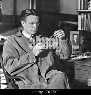 Ernest Orlando Lawrence (1901-1958), a remporté le Prix Nobel 1939 de physique pour l'invention et le développement du cyclotron. Ca. 1935.