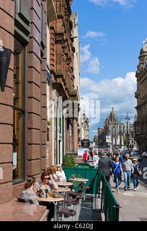 Terrasse d'un pub sur Buchanan Street dans le centre-ville, Glasgow, Écosse, Royaume-Uni Banque D'Images