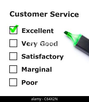 Service client formulaire d'évaluation avec coche verte sur l'excellence avec feutre. Banque D'Images