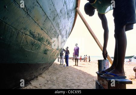 Voile de peinture à Kigoma en Tanzanie sur les rives du lac Tanganyika Banque D'Images