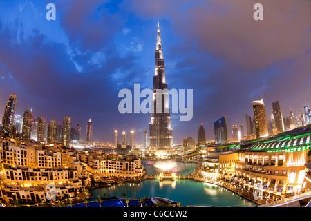 Le Burj Khalifa, achevée en 2010, la structure fait homme le plus grand au monde, DUBAÏ, ÉMIRATS ARABES UNIS Banque D'Images