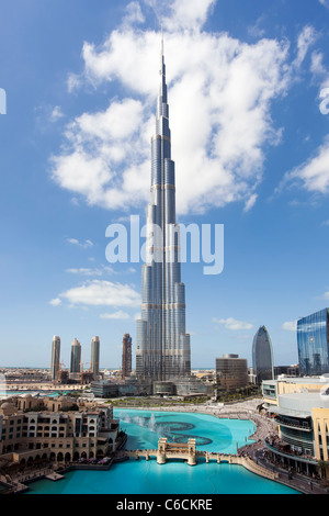 Le Burj Khalifa, achevée en 2010, la structure fait homme le plus grand au monde, DUBAÏ, ÉMIRATS ARABES UNIS
