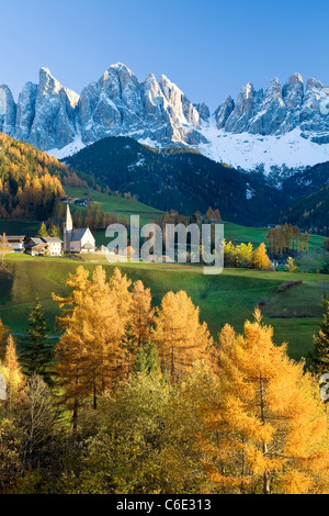 Montagnes, Geisler Gruppe/ Geislerspitzen, Dolomites, Trentino-Alto Adige, Italie, Europe Banque D'Images
