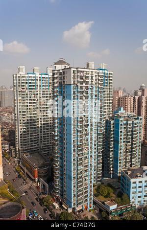 Les immeubles à appartements dans le centre de Shanghai, Shanghai, Chine Banque D'Images