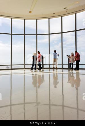La plate-forme d'observation le plus élevé au monde, EN HAUT, Burj Khalifa, la tour la plus haute au monde, Dubaï, Banque D'Images