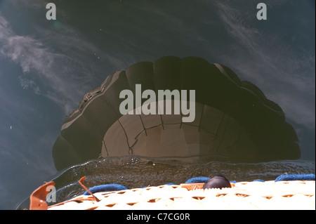Reflet de montgolfière en Tamise Banque D'Images