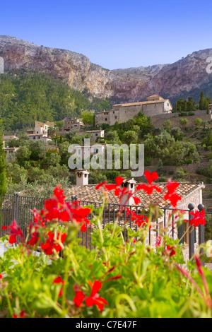 Deia village de montagne de Tramuntana de Majorque Îles Baléares Banque D'Images