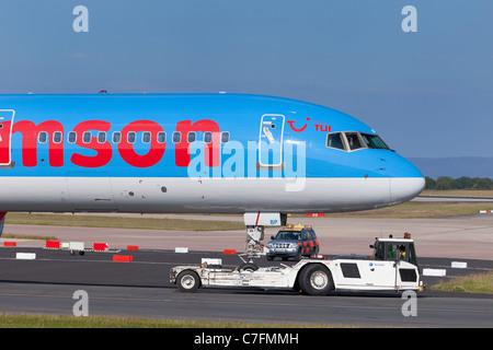 Un fly.com Thomson avion, Angleterre Banque D'Images